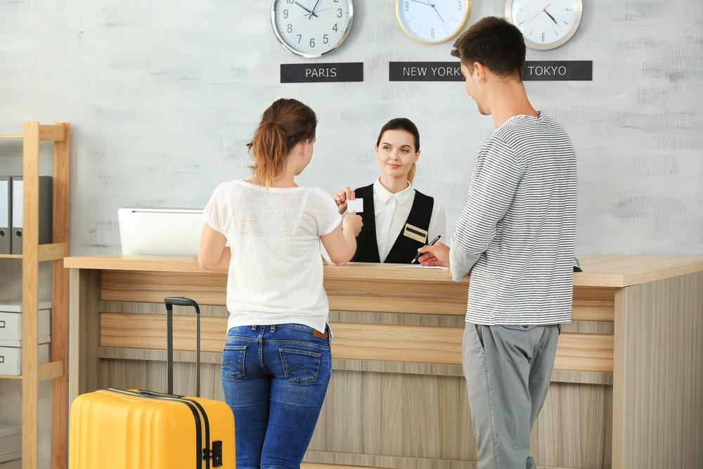 Jangan Ditiru! Ini 7 Kesalahan Saat Booking Hotel yang Sering Dilakukan Traveler