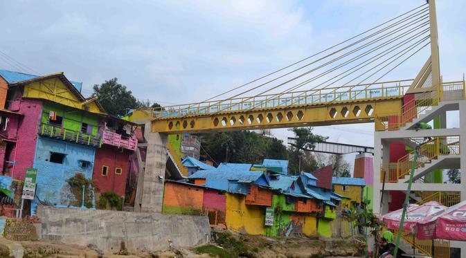 Jembatan Kaca di Malang