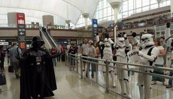 sambut keluarga di bandara 2