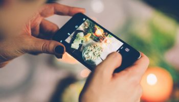 Menghasilkan Foto Instagramable dengan Handphone