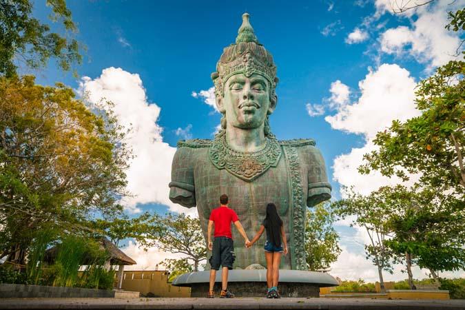 Liburan ke Bali? Hafalkan dulu 8 Frasa Ini