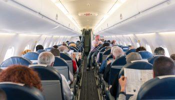 barang di pesawat