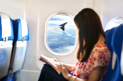 Ini Alasan Kenapa Kamu Sebaiknya Duduk di Samping Jendela Pesawat