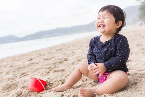 Liburan ke Pantai dengan Anak, Wajib Bawa 12 Benda Ini!