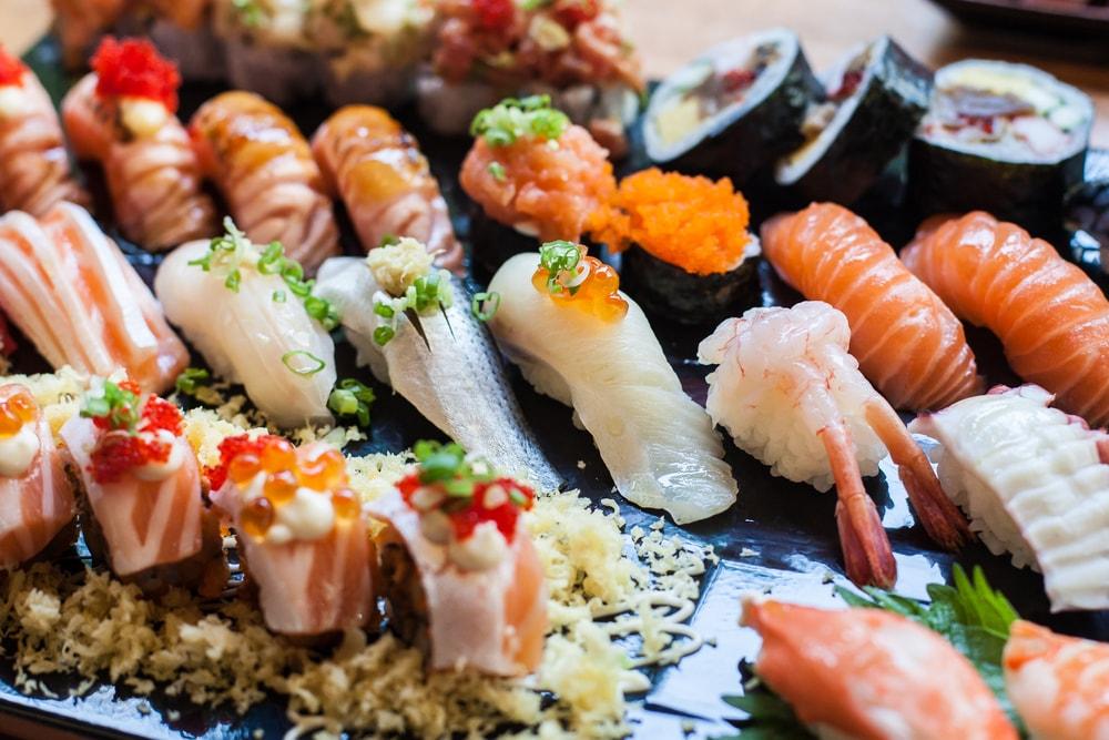 7 Jenis Sushi Jepang yang Bikin Jatuh Hati dan Lokasi Terkenal untuk Mendapatkannya