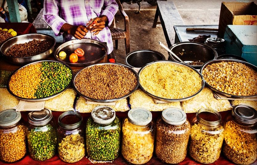 5 Tips Mencari Makanan Murah Saat Traveling ke Luar Negeri