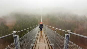 jembatan gantung terpanjang