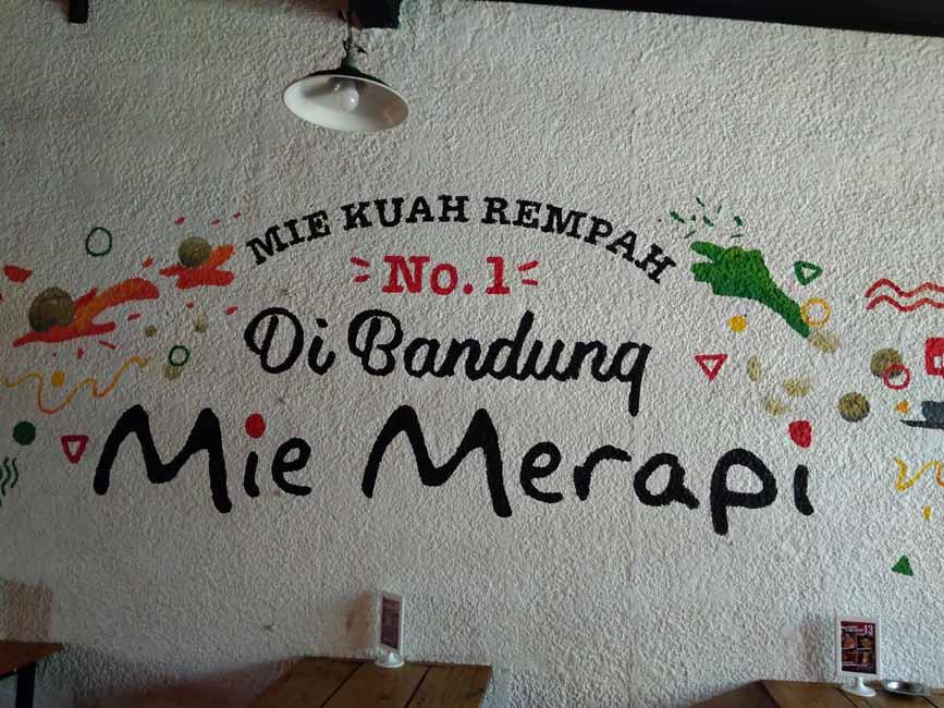 Mi Merapi Bandung, Pencinta Makanan Pedas Wajib ke Sini