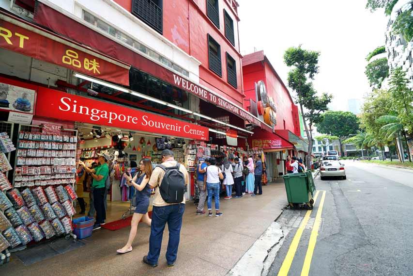 Yuk Cari Tempat Belanja Oleh-Oleh Murah di Singapura