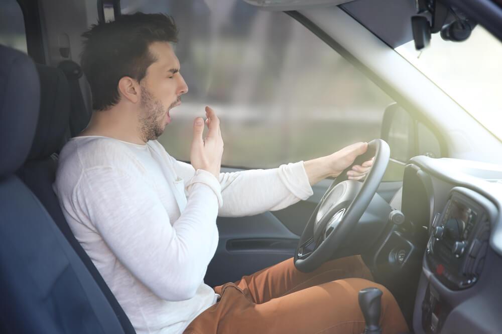 tanda kelelahan saat mengemudi