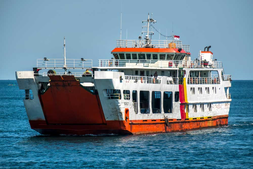 6 Tips Aman Bepergian dengan Kapal Ferry