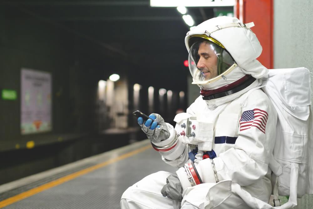 9 Tips Traveling dari Para Astronot