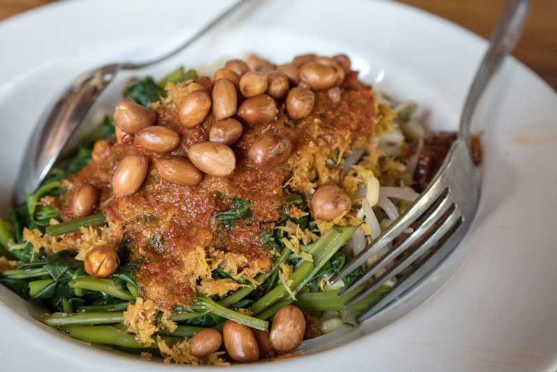 10 Makanan Khas Lombok Kuliner Yang Menggoda Selera Reservasi