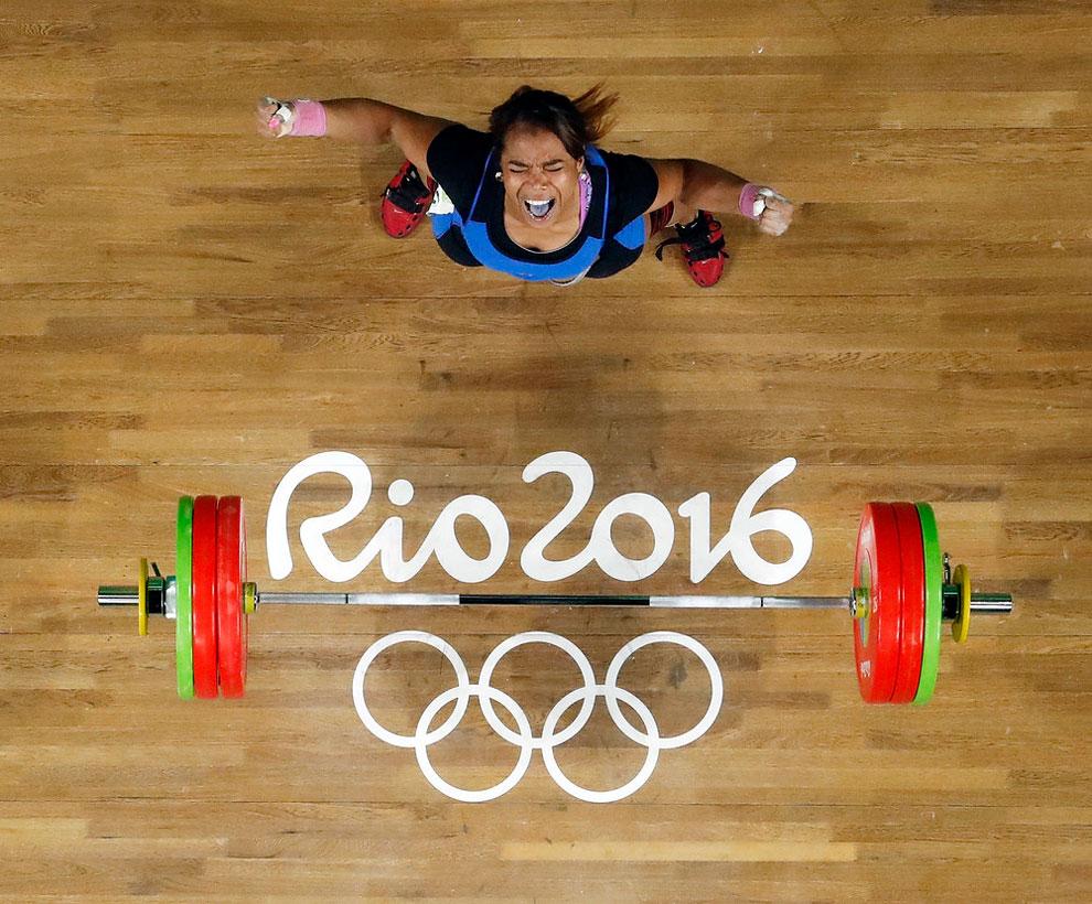 18 Foto Paling Menguras Emosi dalam Olimpiade Rio 2016