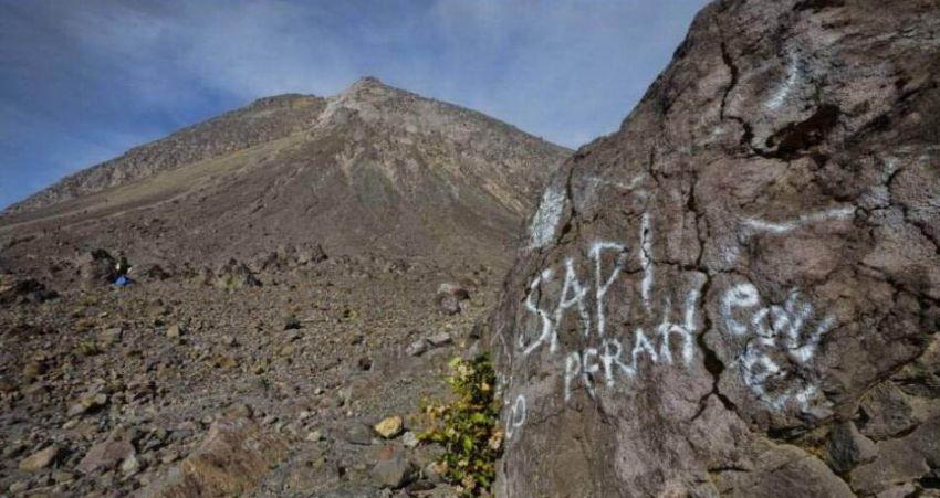 7 Hal yang Tidak Boleh Dilakukan Pada Saat Mendaki Gunung