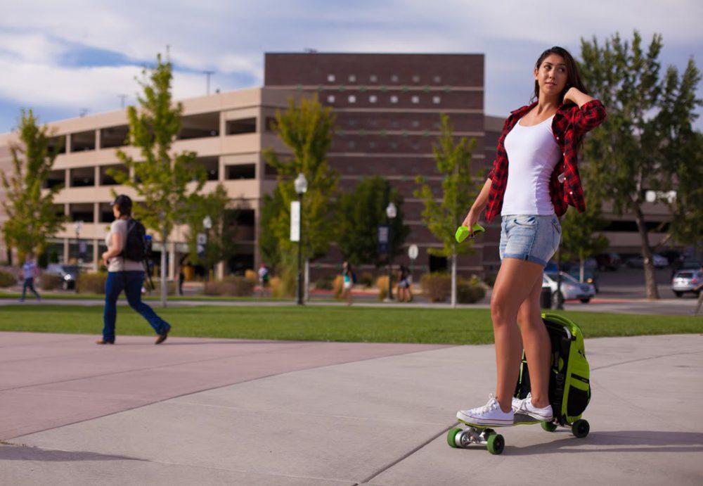 Backpack Sekaligus Skateboard Ini Cocok Buat Backpacker