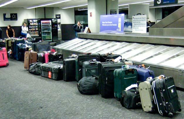5 Tips Agar Koper Tetap Aman di Bagasi Pesawat