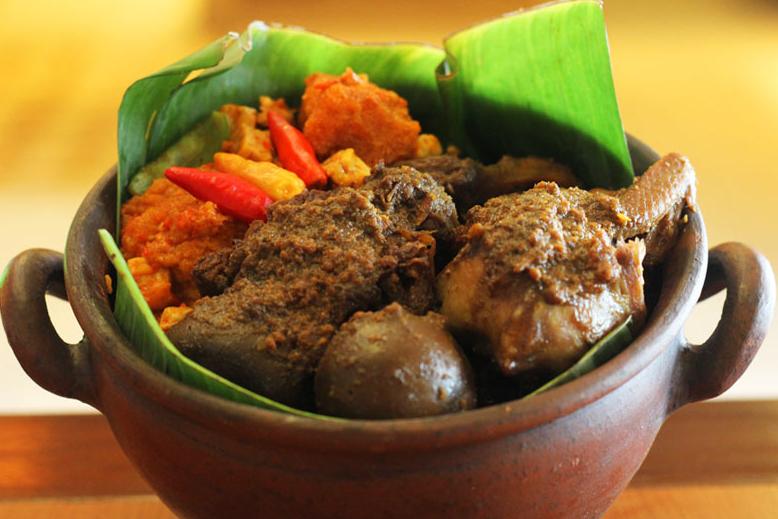 Yakin Bisa Menghindari Makanan Khas Indonesia Ini