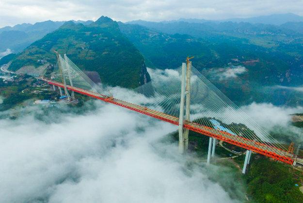 Jembatan Tertinggi di China yang Seolah Menembus Langit!