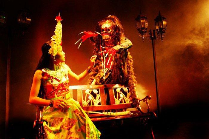 """Mengenal Lebih Dekat """"Kuta Theater Bali"""""""