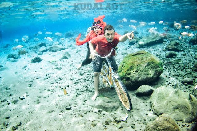 Selfie Bersama Ikan di Umbul Ponggok Klaten