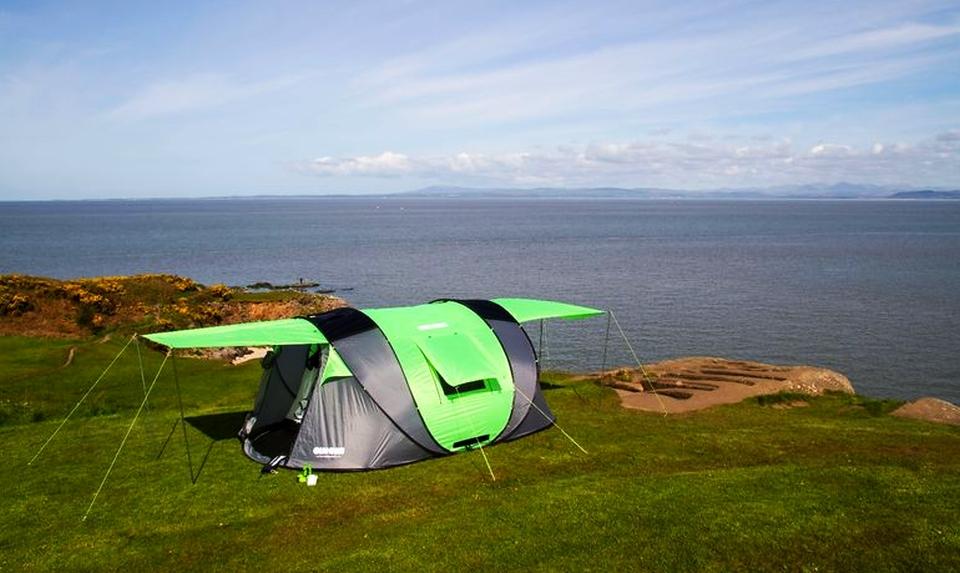 Keren, Tenda Portable Ini Hasilkan Tenaga Surya