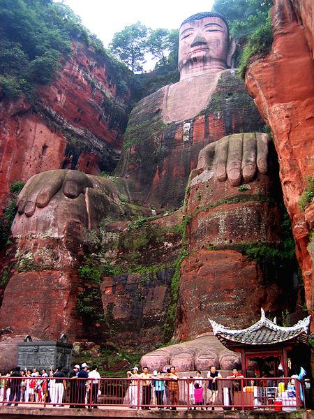 Giant Buddha (youramazingplaces.com)