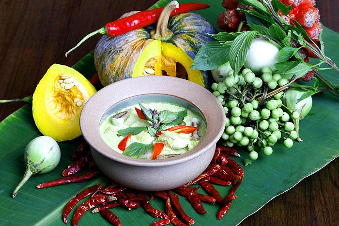 gaeng-kwoe-wan-kai-thailand