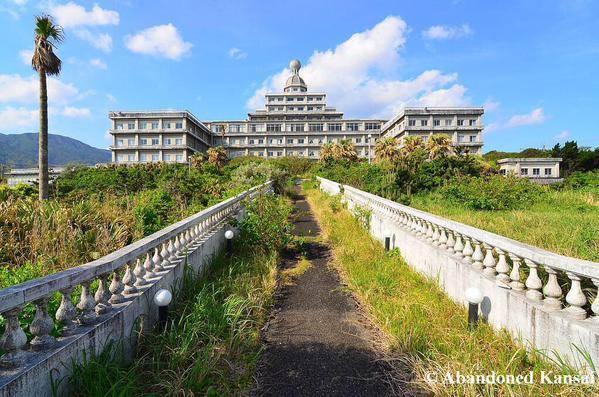 hotel-yang-telah-ditinggalkan-pemiliknya-di-jepang-tidak-pernah-dikunjungi-sejak-2008-saking-seramnya-mungkin