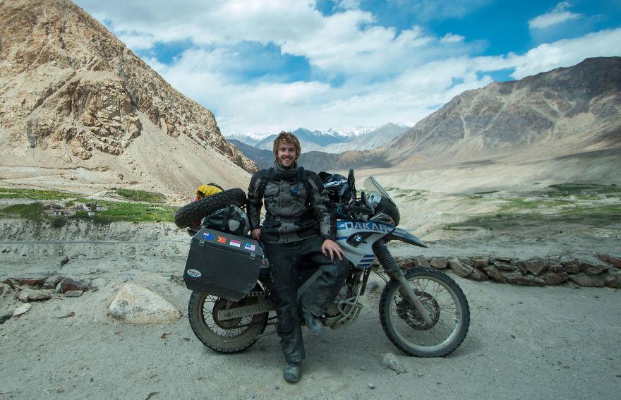 Sang Pilot saat berada di Himalaya