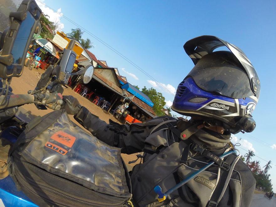 i-motorbiked-23000-miles-from-perth-australia-to-perth-scotland-57e94575bc35e__880