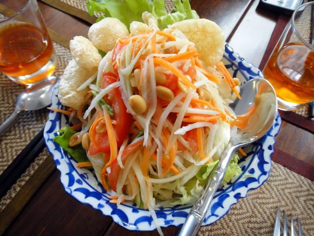 kuliner-favorit-di-bangkok-yang-bikin-ngiler-som-tam