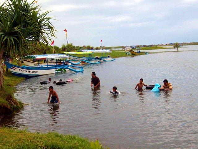 Laguna di Pantai Glagah