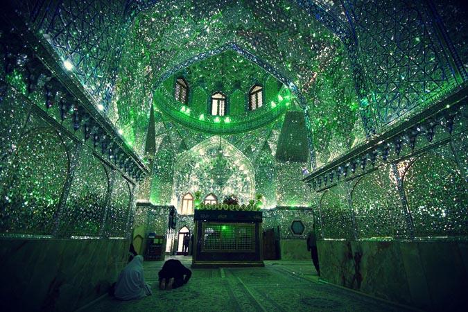 Masjid Terindah di Iran yang Biasa dari Luar, Luar Biasa dari dalam
