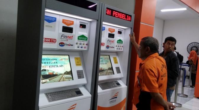 membeli-tiket-kereta-api-di-e-kiosk-semudah-membeli-tiket-kereta-api-di-stasiun-atau-secara-online