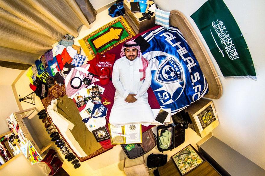 Saleh, 30 Tahun, Human Resources Officer, Riyadh, Saudi Arabia, sumber gambar: myroomphotos.com