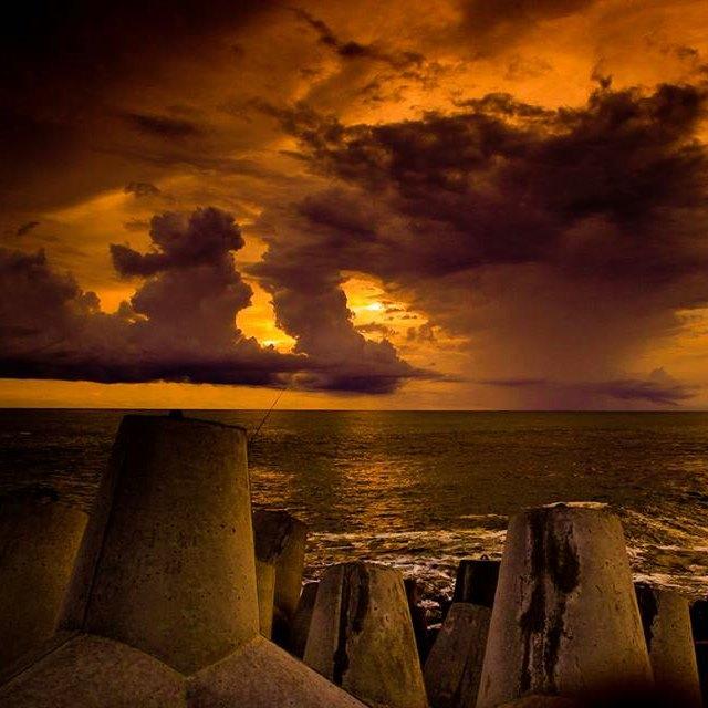 Senja di Pantai Glagah
