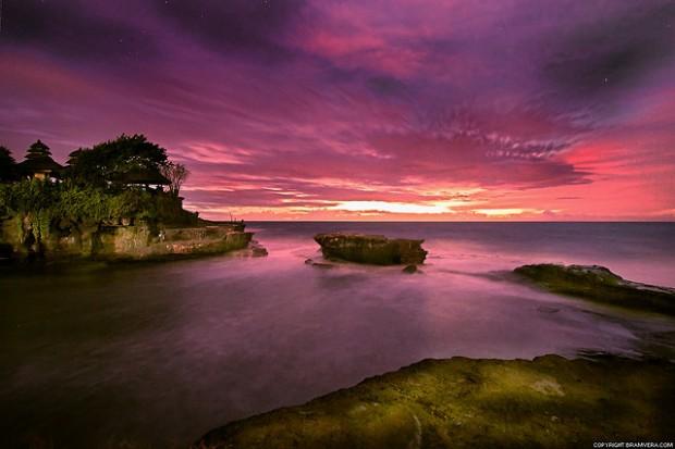 Tanah Lot Bali (youramazingplaces.com)