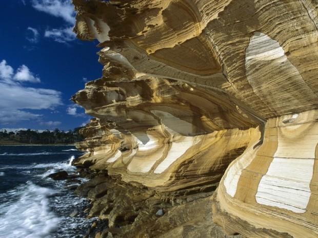 Tasmania (youramazingplaces.com)
