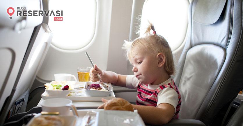 Gara-Gara Alergi Kacang, Keluarga Ini 'Diusir' Dari Pesawat