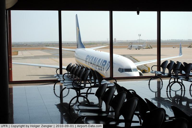 boarding-room