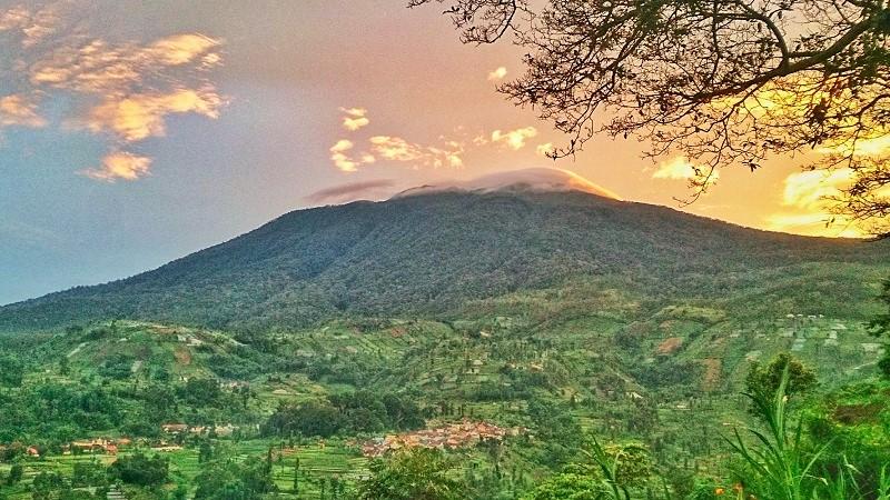 Bukit Panyaweuyan Argapura Majalengka (instagram.com/agunpriyatna)