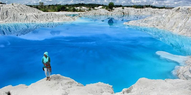 Danau Biru yang Cantik Nan Memesona dari Belitung