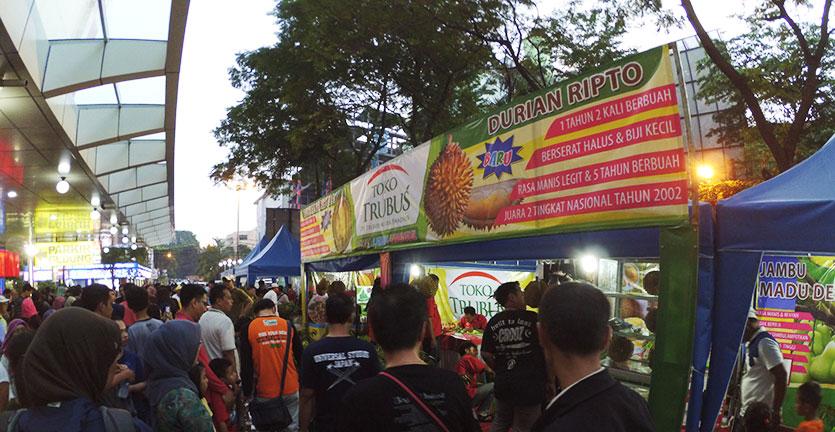 Animo masyarakat di Durian Fair 2016 dzulfikaralala.com