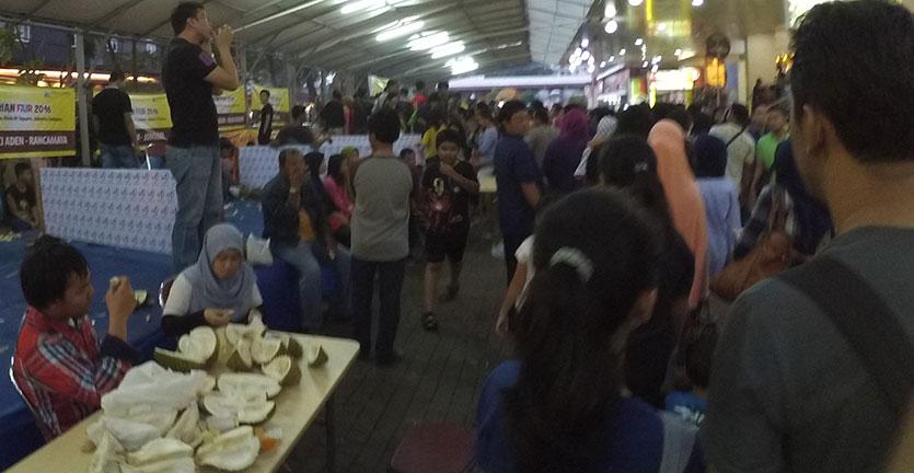 Antusiasme warga di Durian Fair 2016 dzulfikaralala.com