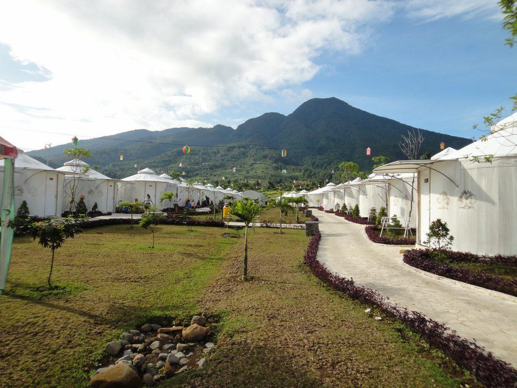 high land park resort http://www.thehighlandparkresortbogor.com/