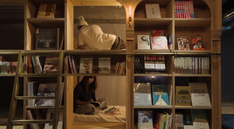 Ini Hostel Apa Toko Buku Ya? Tapi Keren Kok!