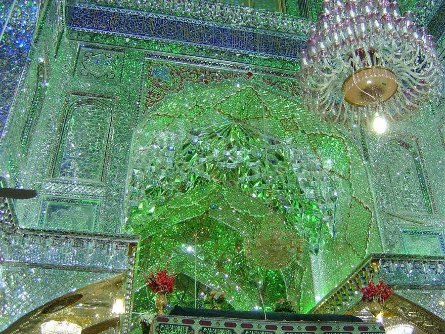 keindahan-masjid-yang-gemerlap-dibagian-dalam-masjid2