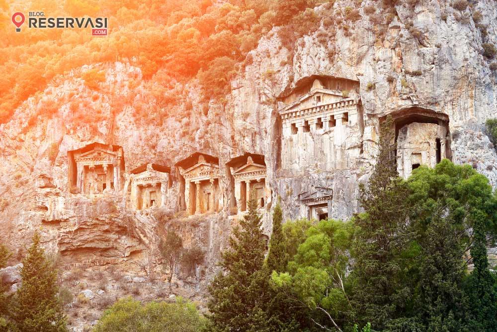 6 Makam Raja Yang Menarik untuk Dikunjungi