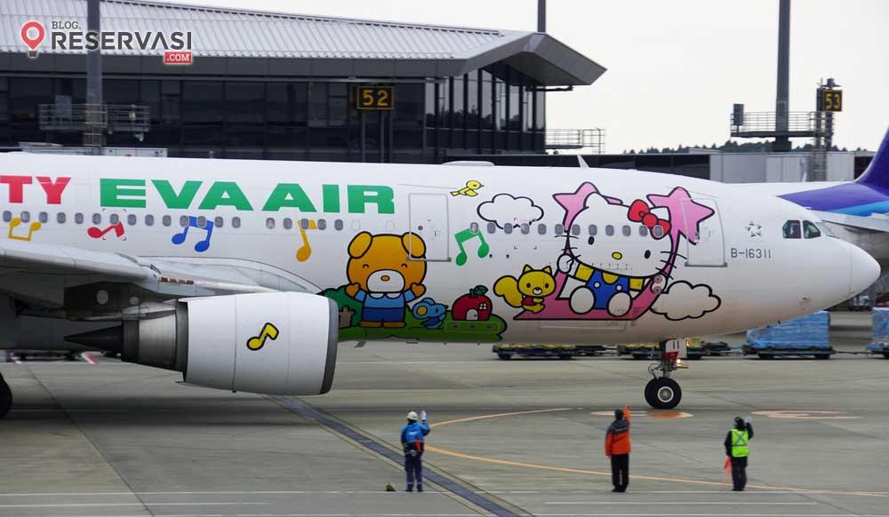 Pesawat Paling Imut di Dunia Ini Bergambar Hello Kitty!